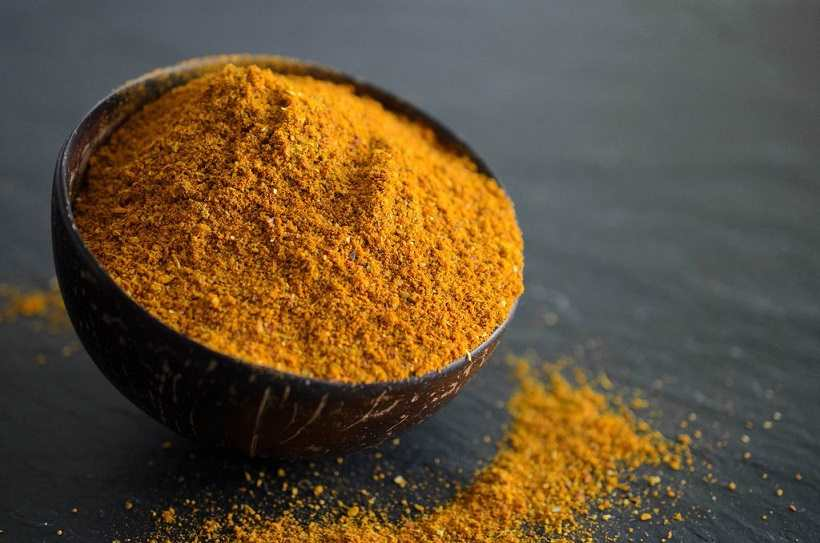 Is turmeric similar to curry
