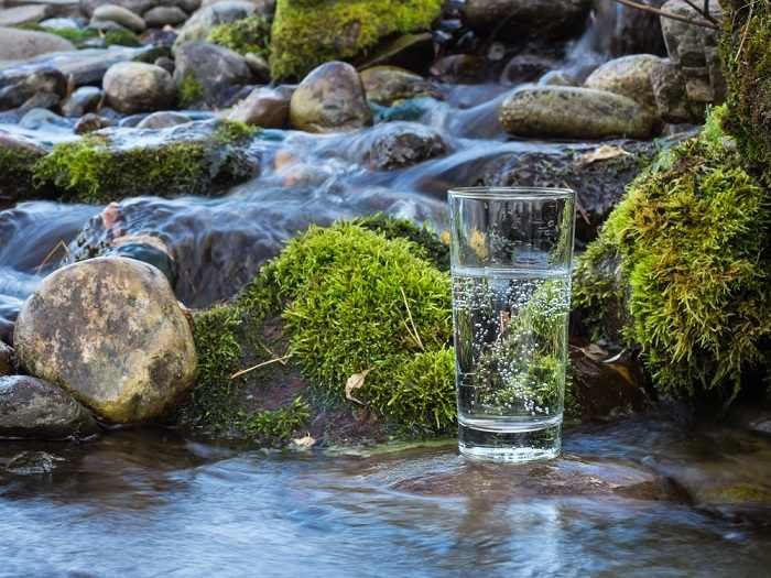 mineral-water-hydration-keto